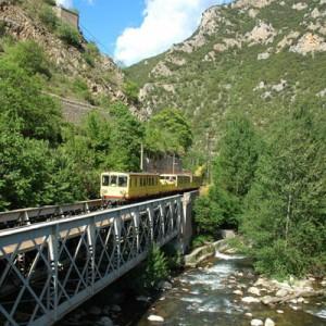 Visitez les Pyrénées Catalanes à bord du Train Jaune